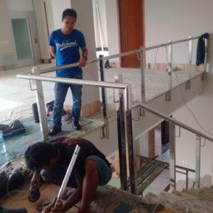 railing-tangga-kaca-stainless-3